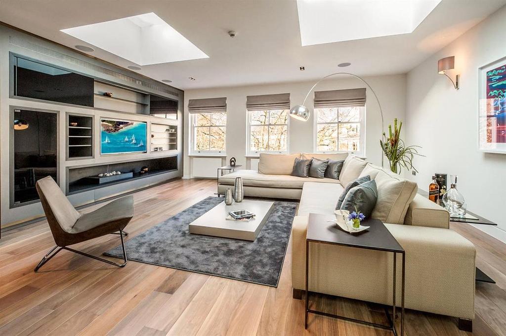 3 Bedrooms Flat for sale in Courtfield Gardens, London, SW5