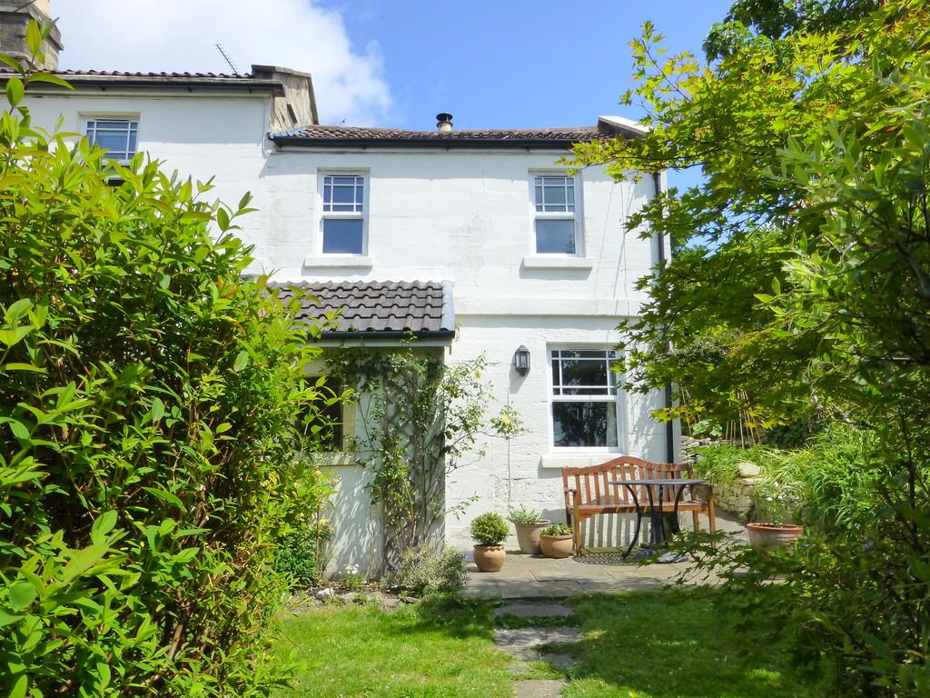 2 Bedrooms Semi Detached House for sale in Vine Cottages, Wine Street