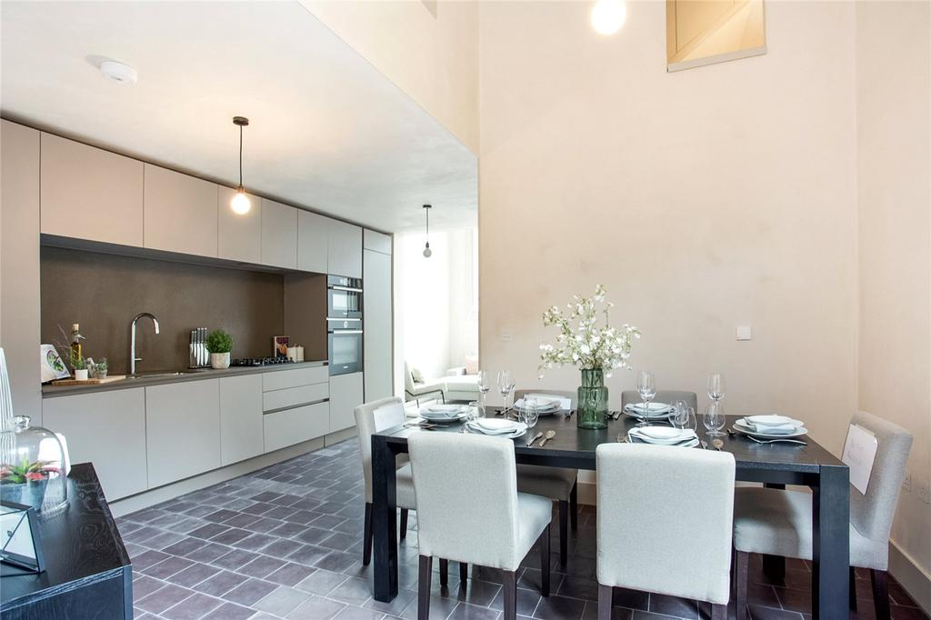4 Bedrooms Flat for sale in Wenlock Street, Shoreditch, London, N1