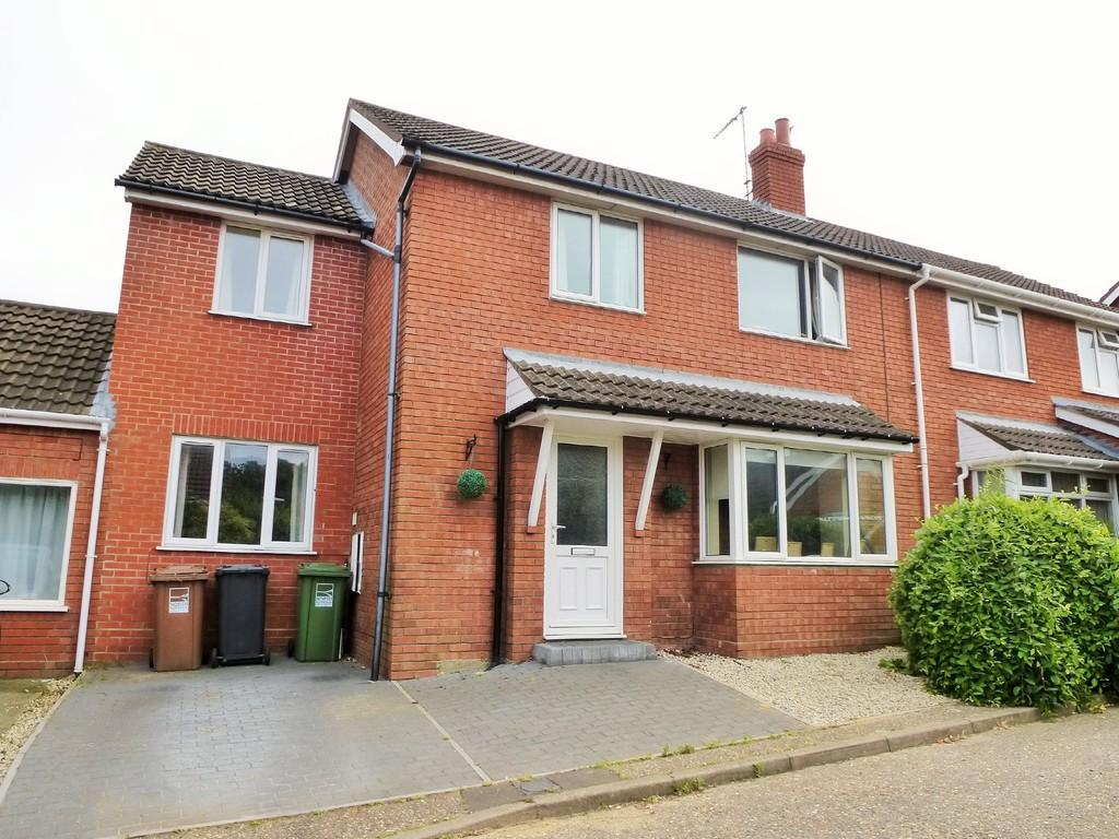 5 Bedrooms Semi Detached House for sale in Cromer