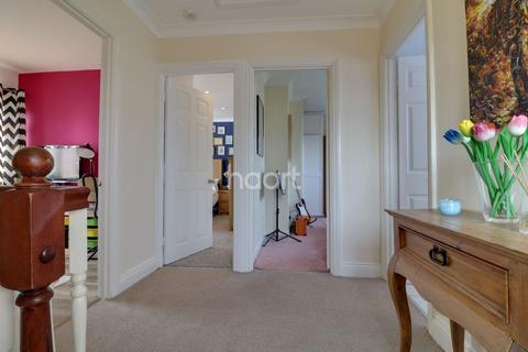 4 bedroom semi-detached house for sale - Silverdale, Rayleigh