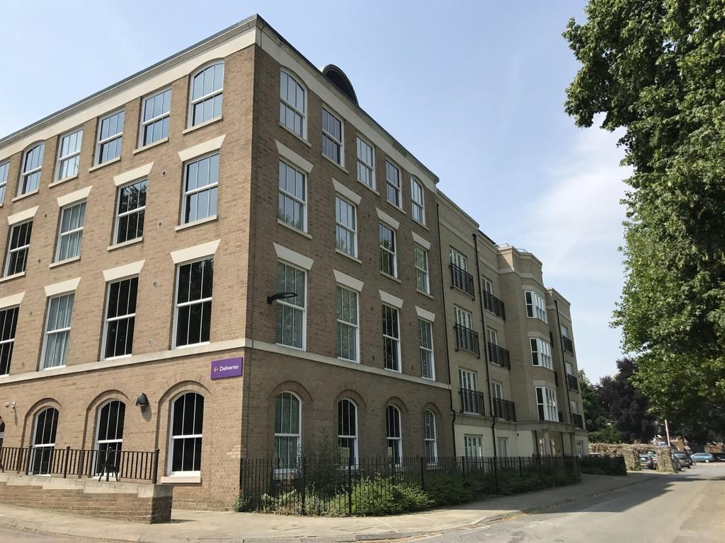 3 Bedrooms Apartment Flat for sale in Shirehall Way, Bury St. Edmunds