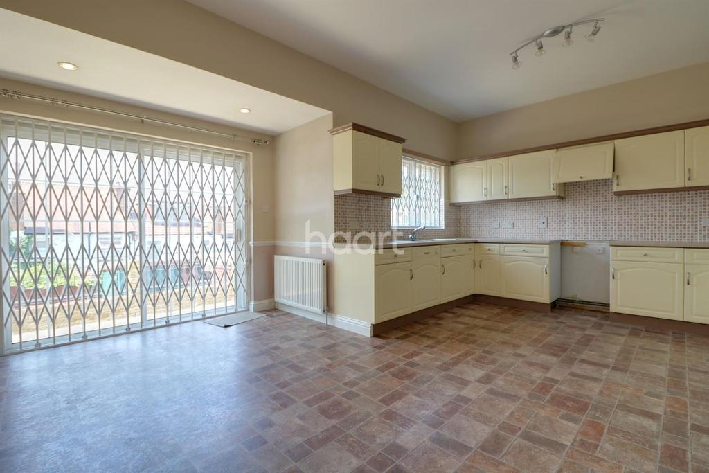 4 Bedrooms Semi Detached House for sale in Hillside Avenue, Wembley Park
