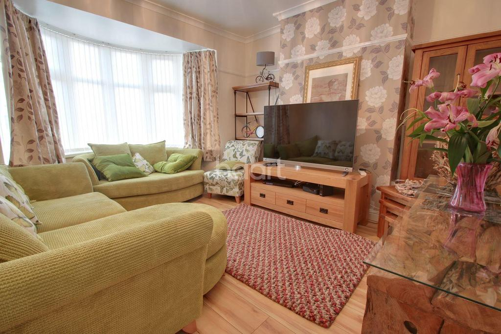 3 Bedrooms Semi Detached House for sale in Beechcroft Road, Beechwood, Newport