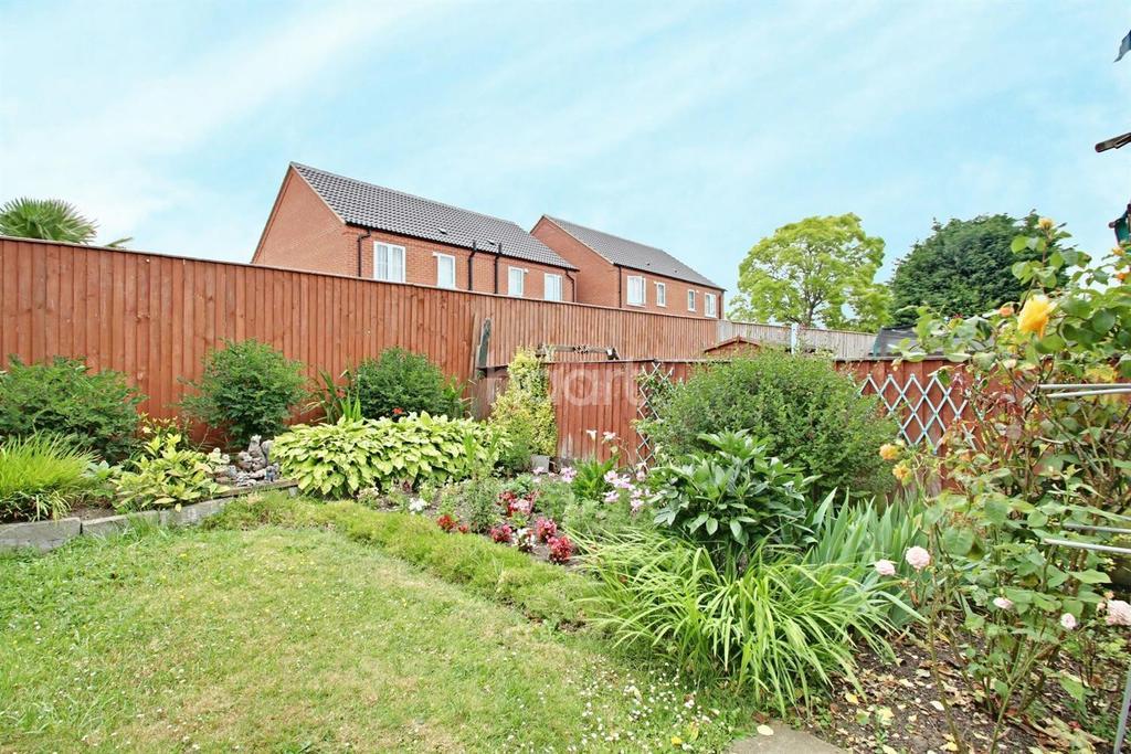 4 Bedrooms Terraced House for sale in Jeffery Avenue, Wisbech