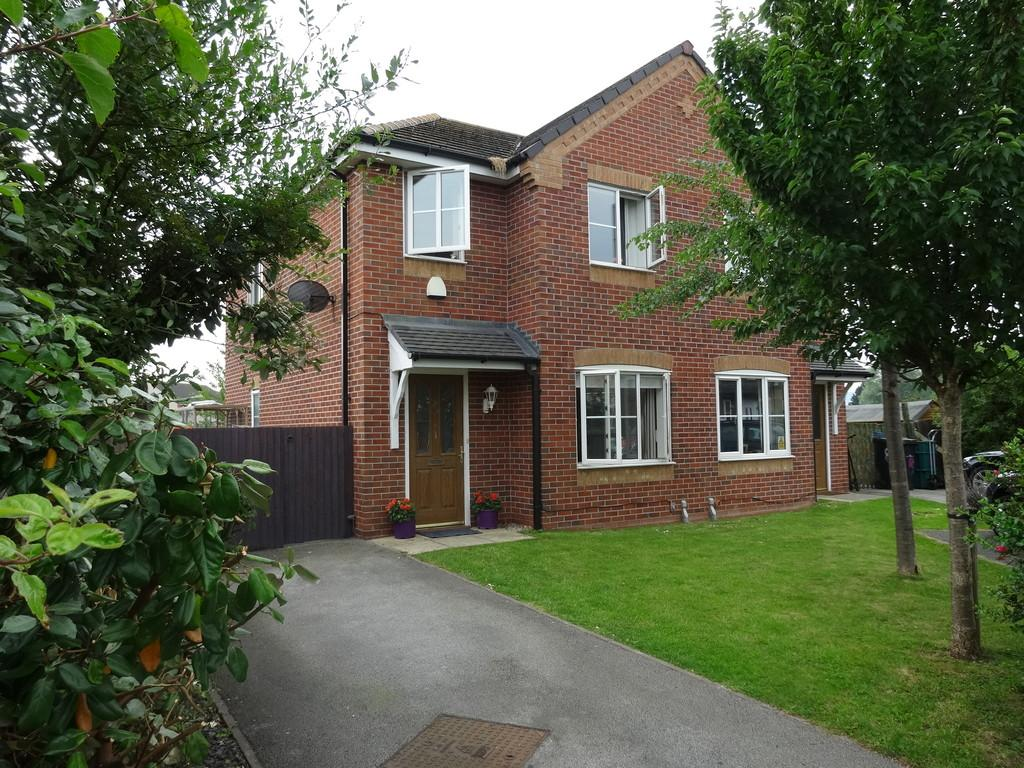 3 Bedrooms Semi Detached House for sale in Llys Bala, Kinmel Bay