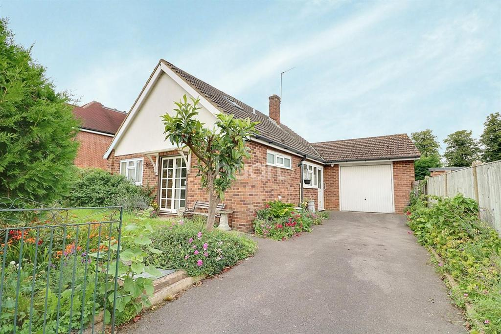 2 Bedrooms Bungalow for sale in Furze Platt