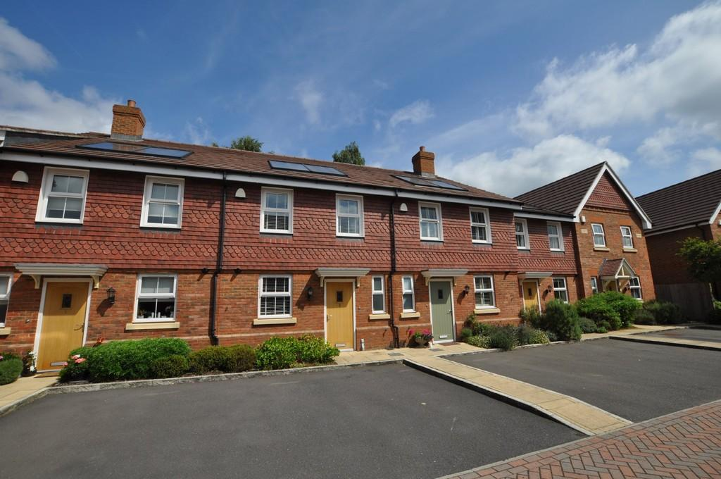 3 Bedrooms Mews House for sale in Oakford Mews, Station Road, Shalford