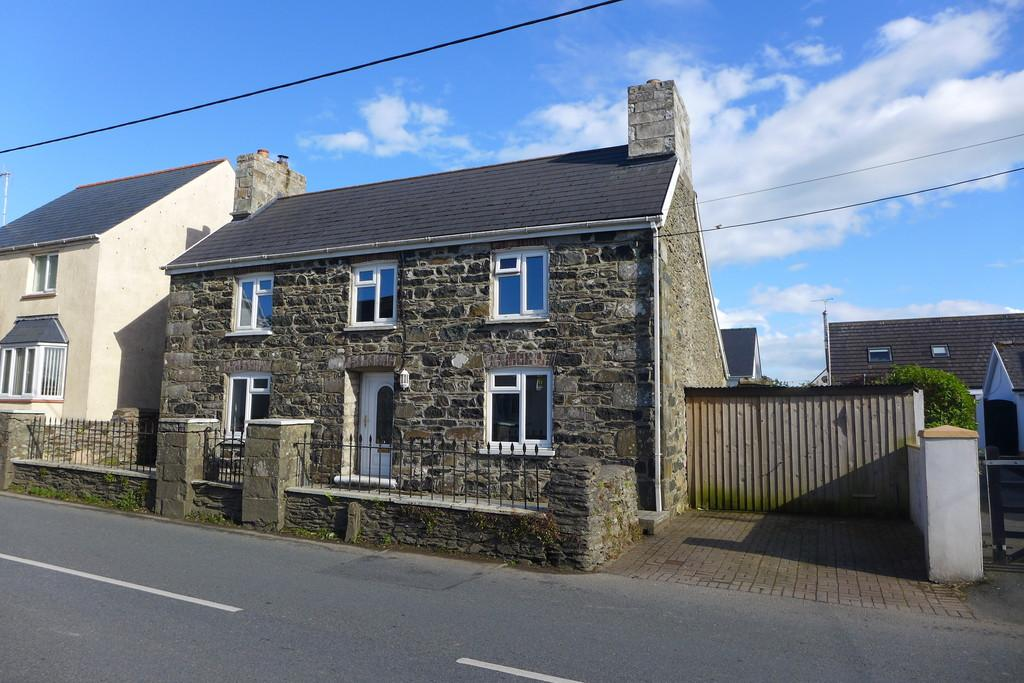 3 Bedrooms Cottage House for sale in 41 St Davids Road, Letterston