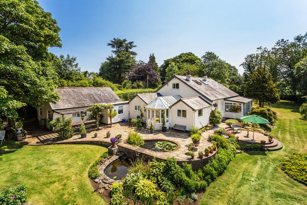 4 Bedrooms Chalet House for sale in Common Hill, MEDSTEAD, Hampshire