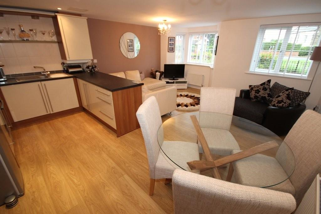 2 Bedrooms Ground Flat for sale in Holmsley Lane, Woodlesford