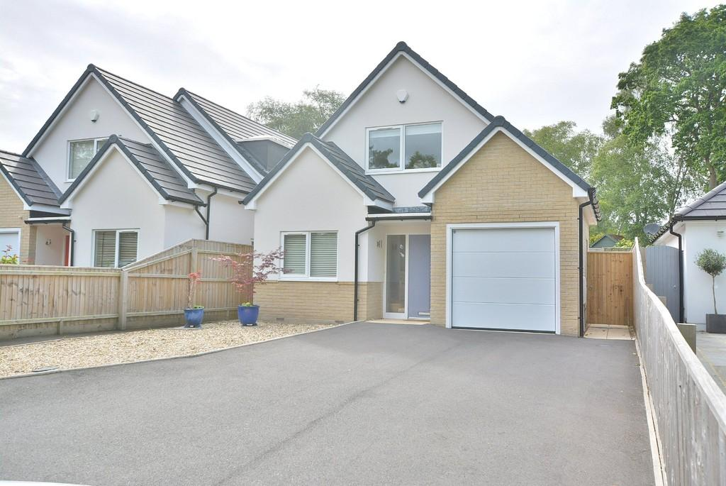 3 Bedrooms Detached House for sale in Dudsbury Road, West Parley