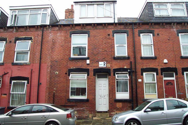 2 Bedrooms Terraced House for sale in Autumn Avenue, Leeds