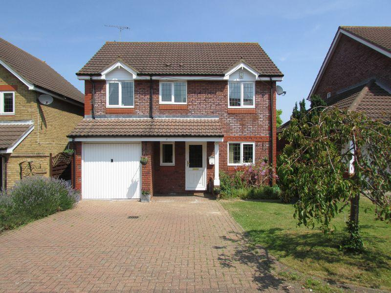 4 Bedrooms Detached House for sale in Appleton Drive, Wilmington