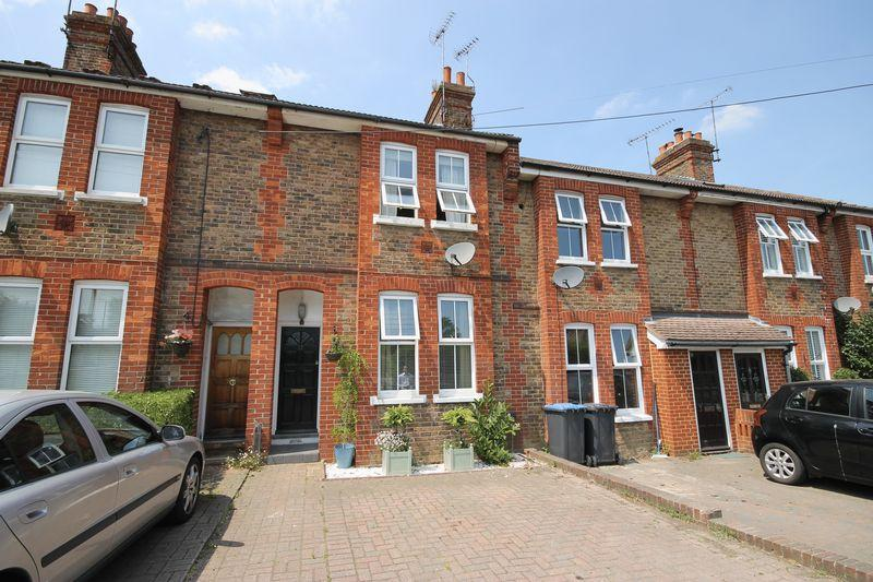 2 Bedrooms Terraced House for sale in Valebridge Road, Burgess Hill, West Sussex,