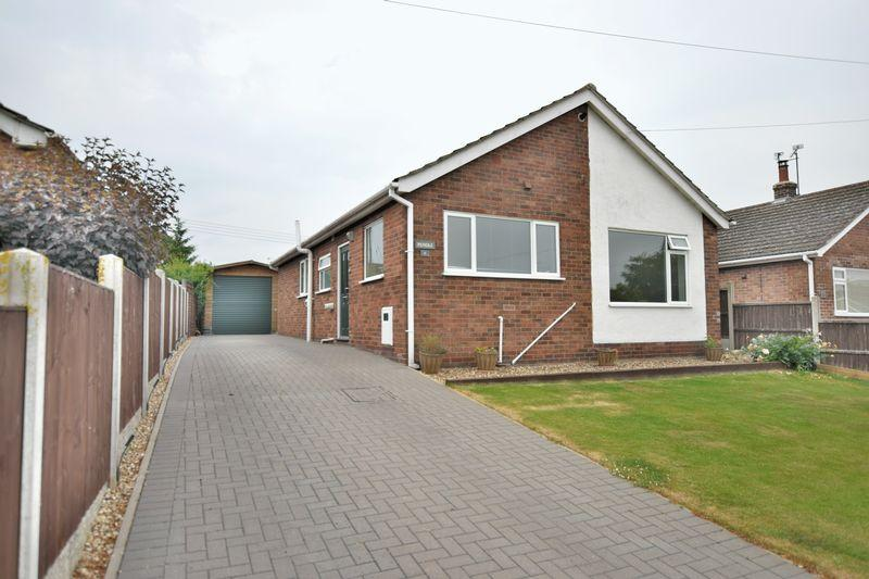 3 Bedrooms Detached Bungalow for sale in Overton Close, Navenby, Lincoln
