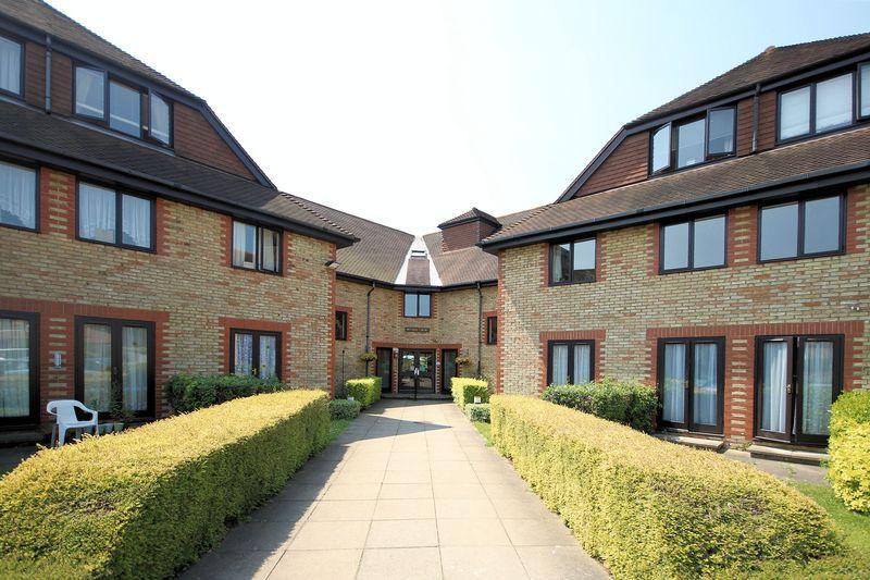 1 Bedroom Retirement Property for sale in Deer Park Way, West Wickham