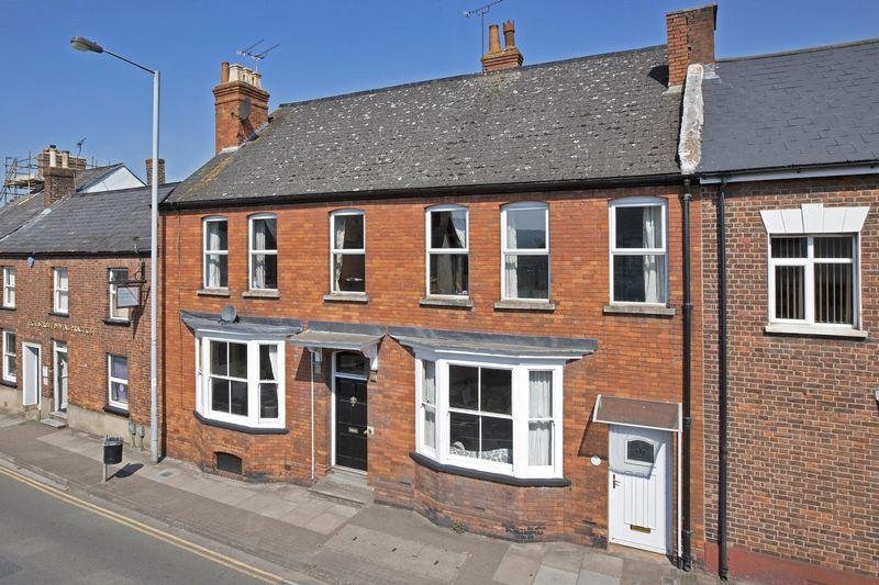 5 Bedrooms Terraced House for sale in Holly House, High Street, Wellington