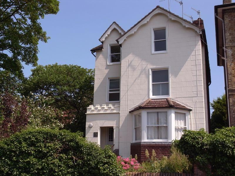 2 Bedrooms Apartment Flat for sale in Town Centre