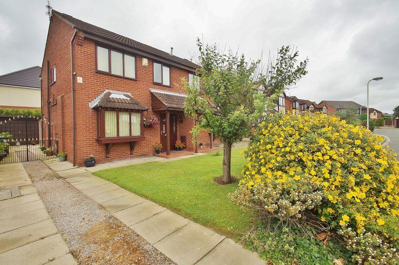 3 Bedrooms Semi Detached House for sale in The Pastures, Southport