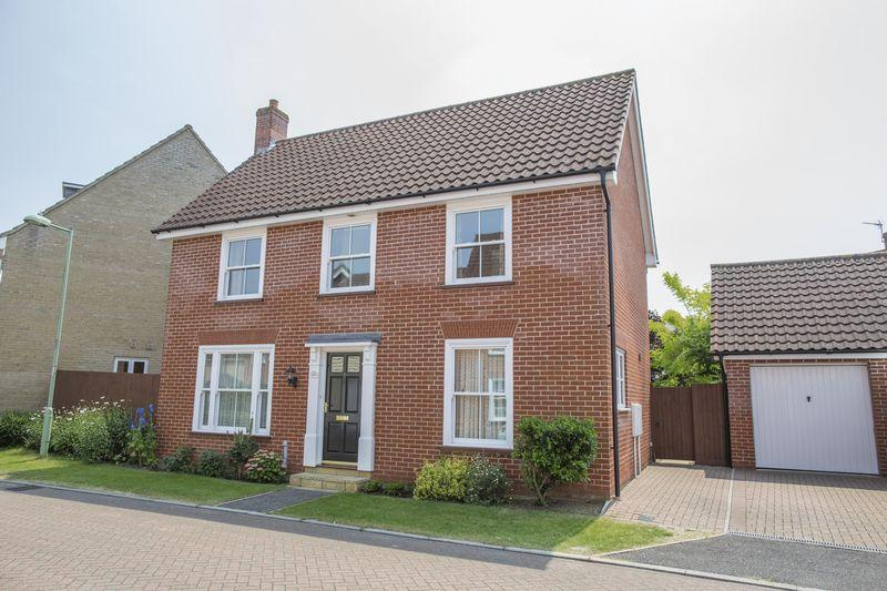 3 Bedrooms Detached House for sale in Daisy Avenue, Bury St. Edmunds