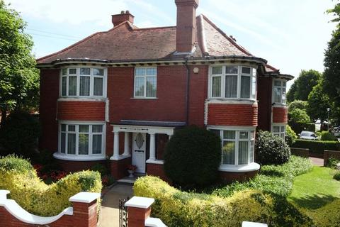 6 bedroom character property for sale - Hove Park Road, Hove