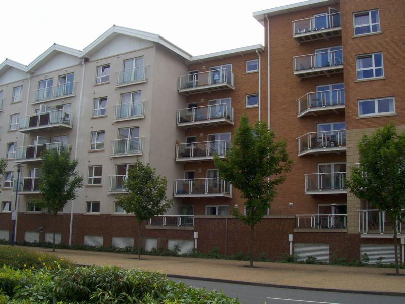 2 Bedrooms Apartment Flat for sale in Penstone Court, Cardiff Bay, CARDIFF