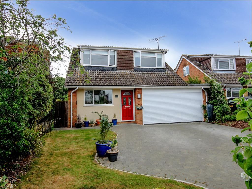 4 Bedrooms Detached House for sale in Church Road, Pulloxhill, Bedford, MK45