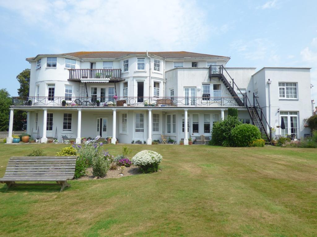 2 Bedrooms Flat for sale in Belle Hill, Bexhill-on-Sea, TN40