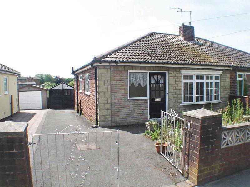 2 Bedrooms Semi Detached Bungalow for sale in Holts Lane, Poulton-Le-Fylde