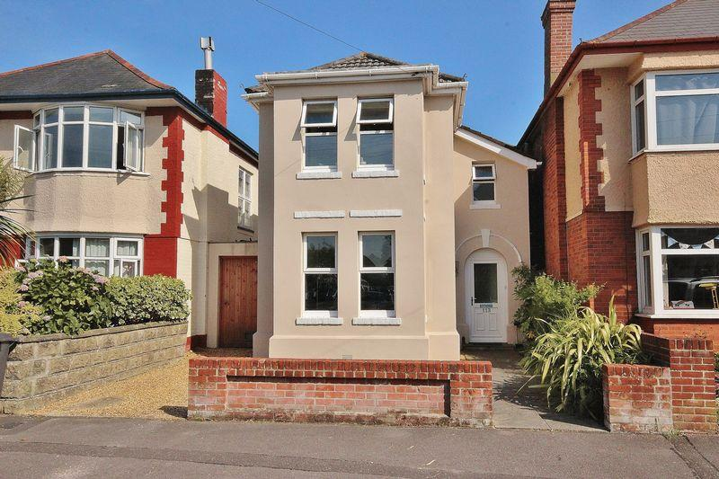 3 Bedrooms Detached House for sale in Irving Road, Southbourne, Bournemouth