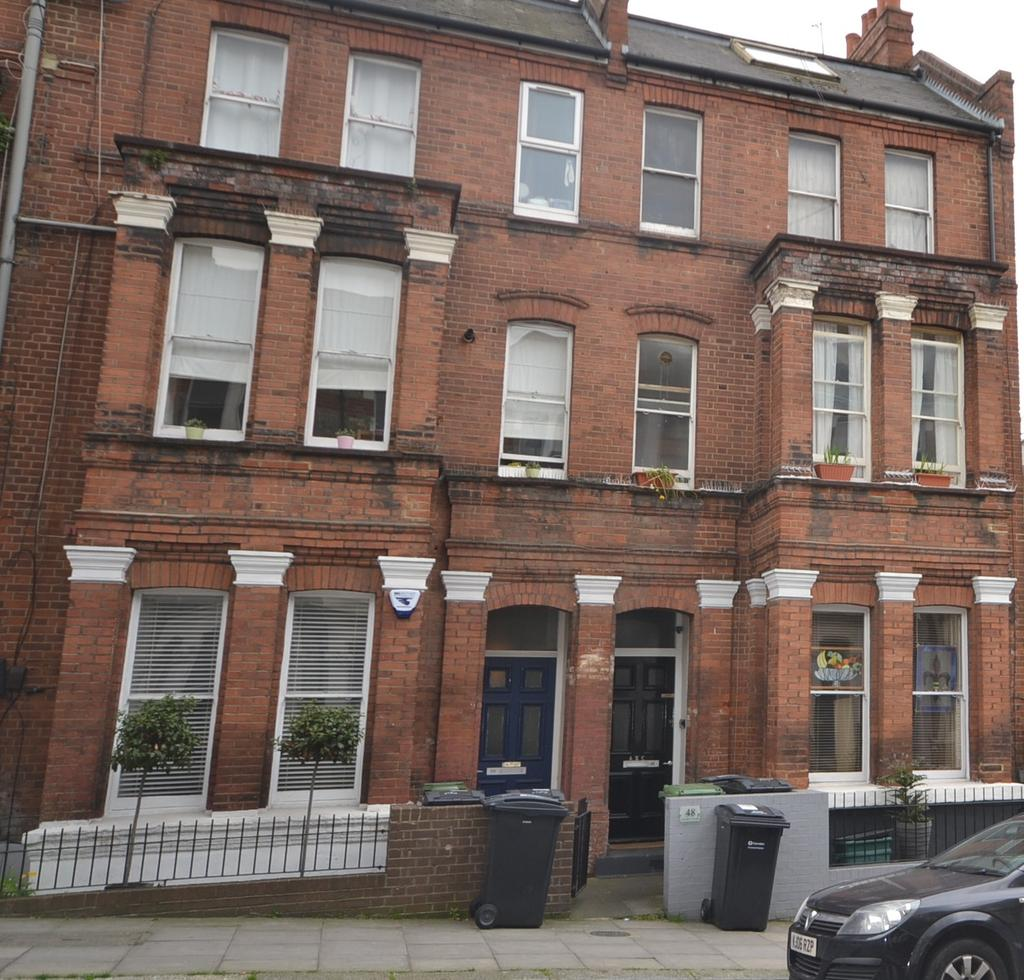 1 Bedroom Flat for sale in Gascony Avenue, West Hampstead
