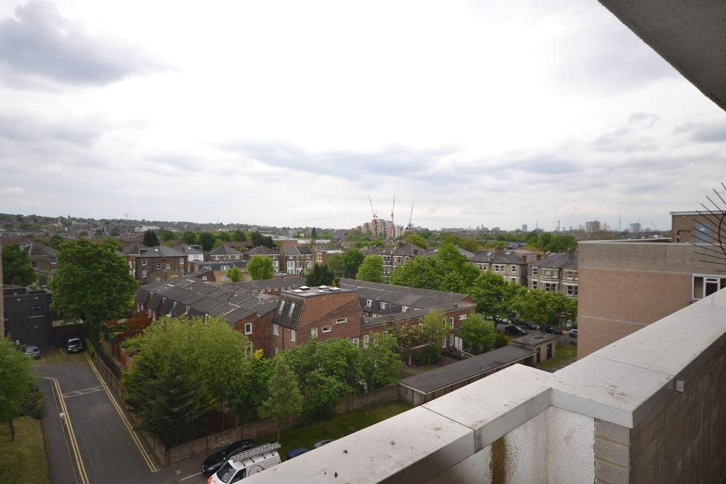 3 Bedrooms Flat for sale in Templar House, Kilburn