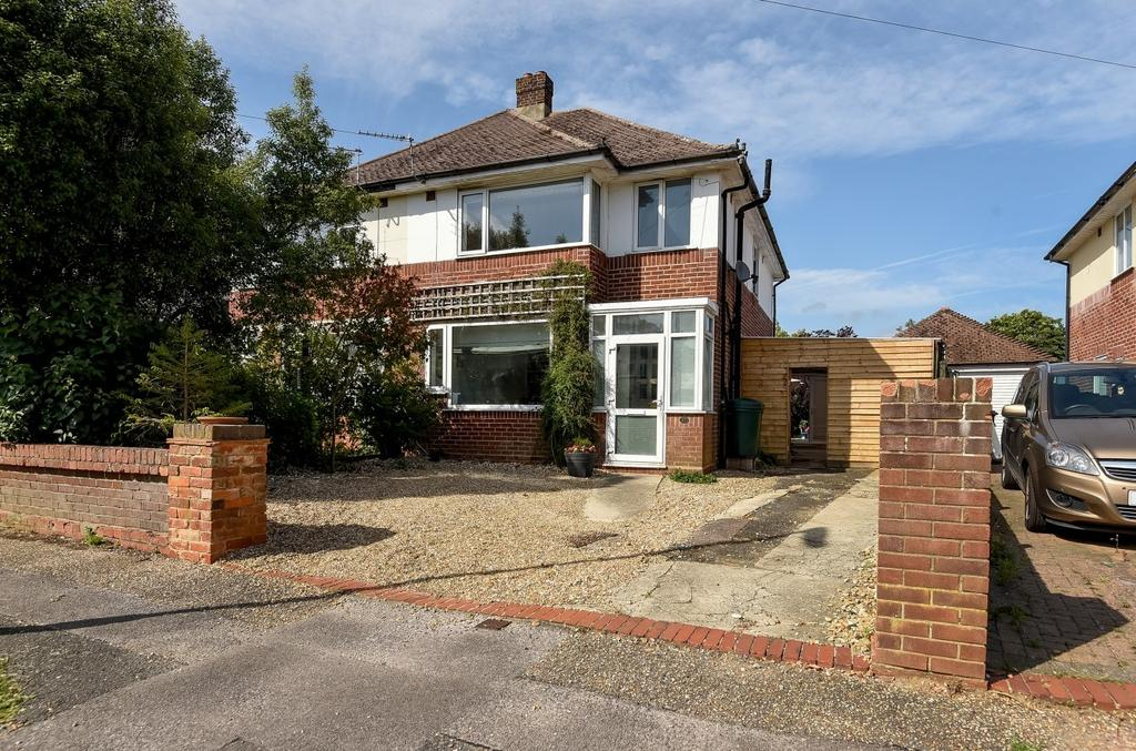 3 Bedrooms Semi Detached House for sale in Grosvenor Road, Donnington, PO19