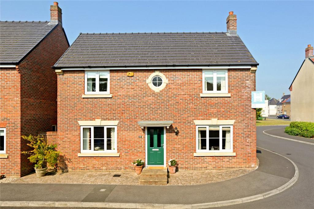 4 Bedrooms Detached House for sale in Birch Way, Crewkerne, Somerset