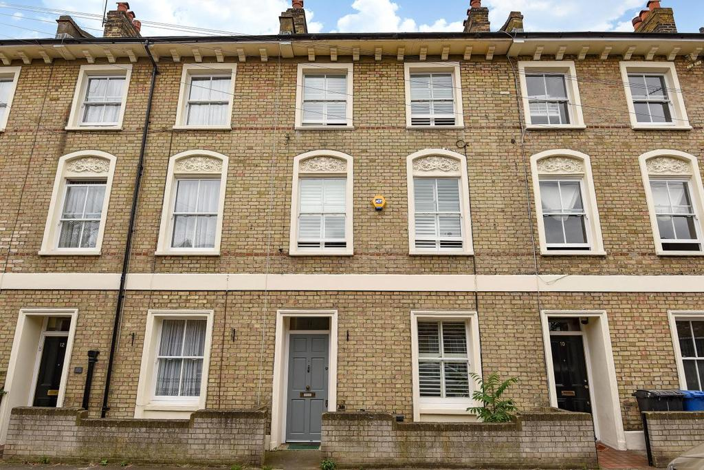 3 Bedrooms Terraced House for sale in Stanley Grove, Battersea, SW8