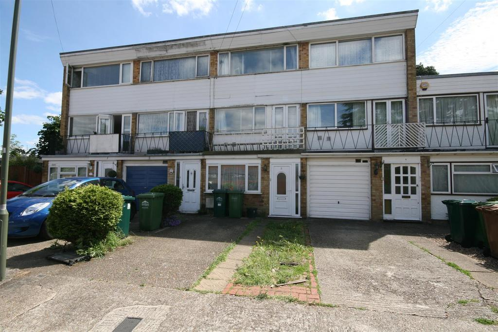 3 Bedrooms House for sale in Atherton Close, Stanwell, Staines-Upon-Thames