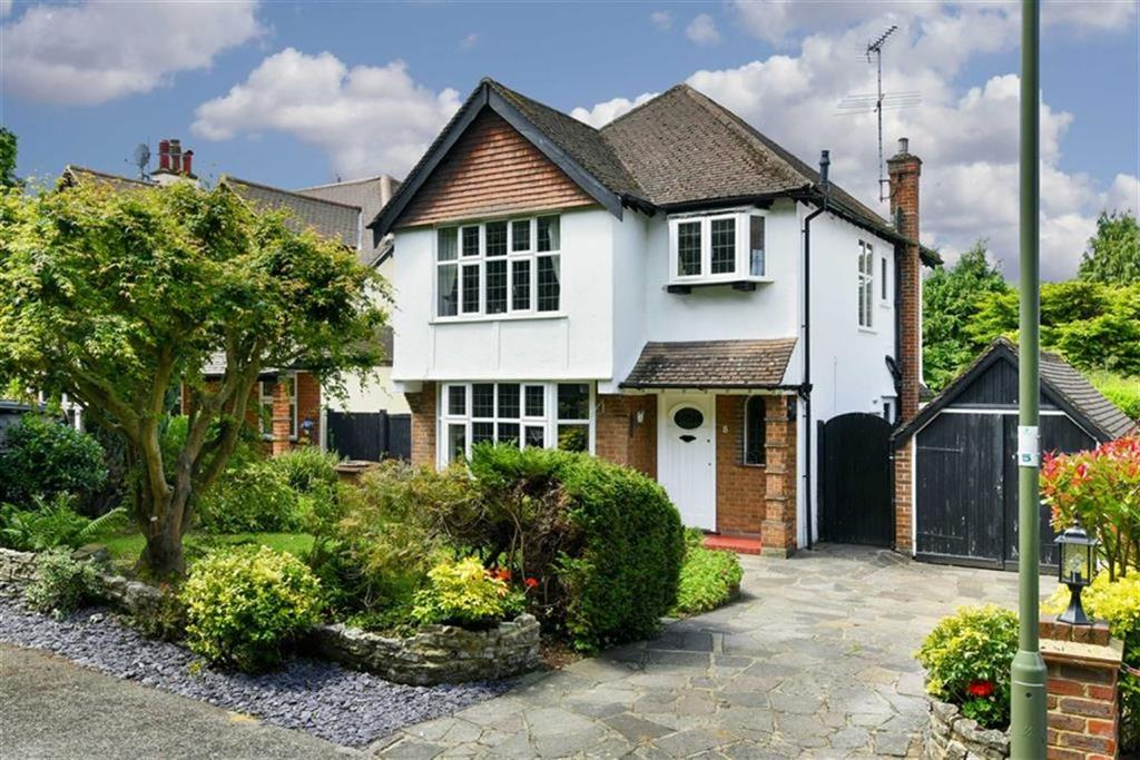 3 Bedrooms Detached House for sale in Hambledon Vale, Epsom, Surrey