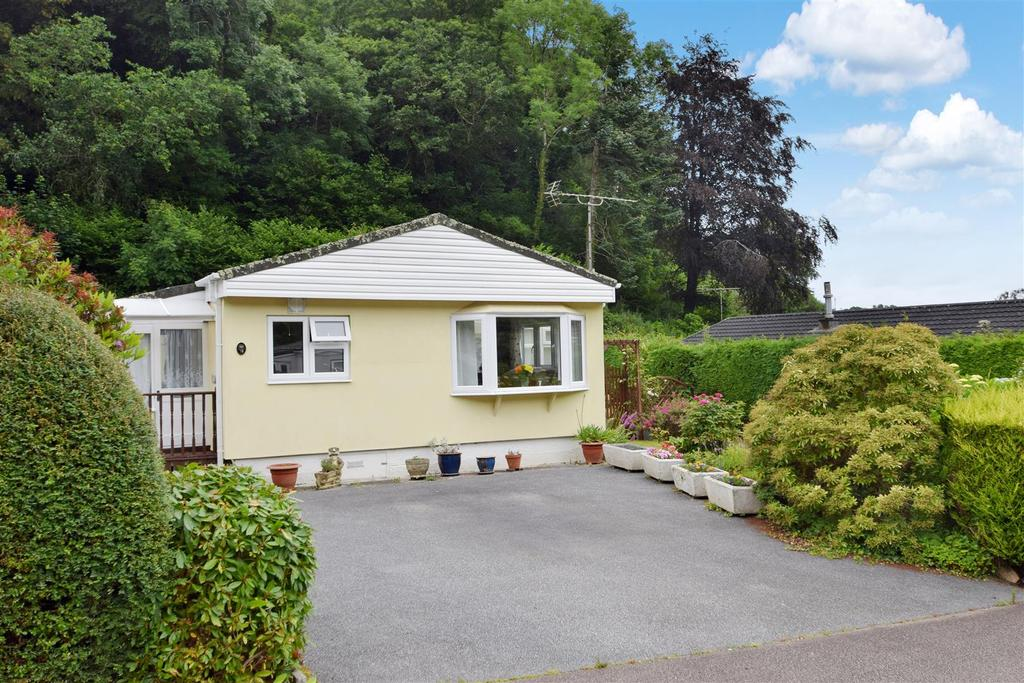 2 Bedrooms Detached Bungalow for sale in Cosawes Park Homes, Truro