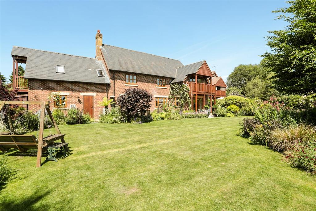 5 Bedrooms Detached House for sale in Granary Close, East Grafton, Marlborough
