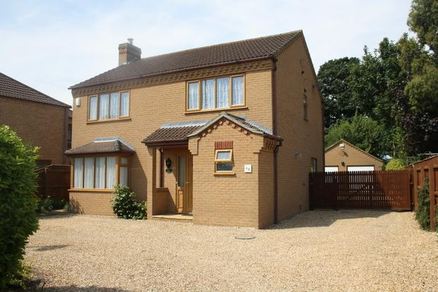 4 Bedrooms Detached House for sale in St. Peters Road, March, PE15