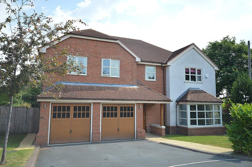 5 Bedrooms Detached House for sale in Top Park Close, Warburton, Lymm