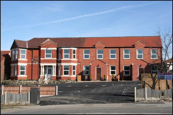 2 Bedrooms Block Of Apartments Flat for sale in Watling Street, Grendon, Atherstone