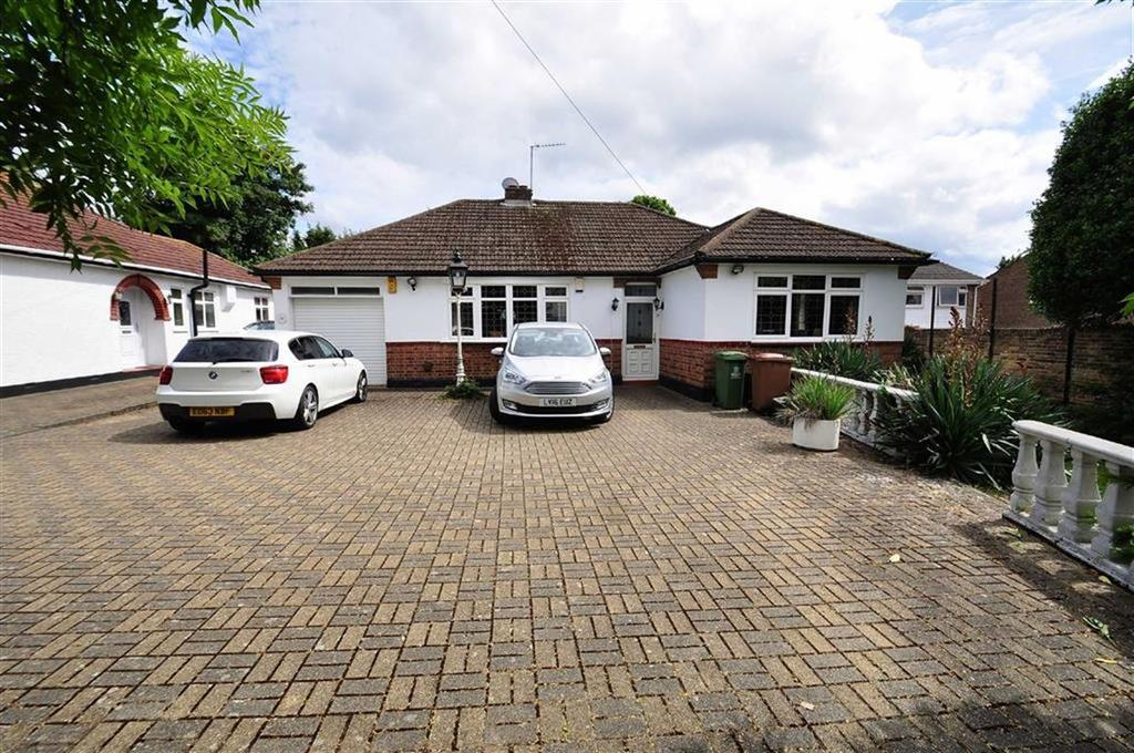 3 Bedrooms Detached Bungalow for sale in Mount Road, Bexleyheath