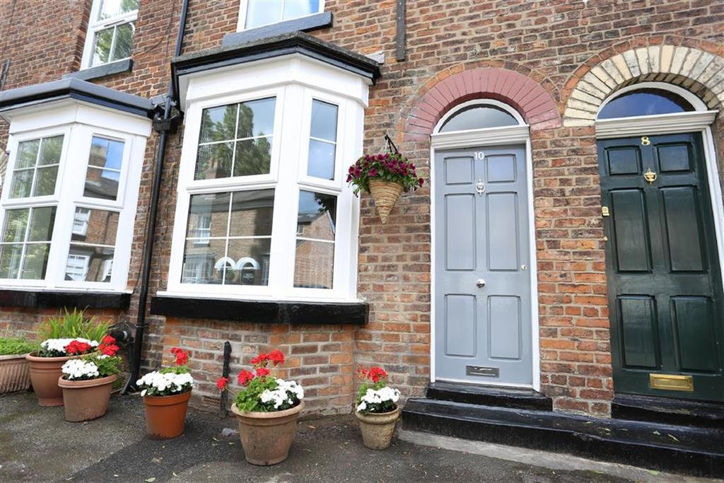 2 Bedrooms Terraced House for sale in Knight Street, Didsbury, Manchester