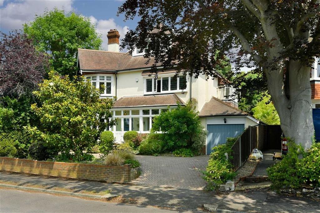 6 Bedrooms Detached House for sale in Links Road, Epsom, Surrey