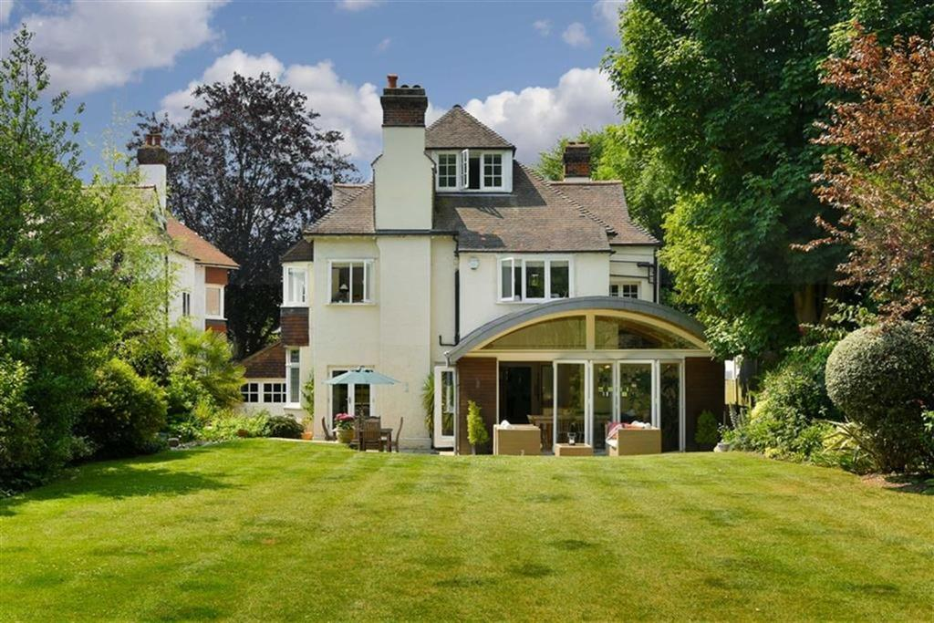 6 Bedrooms Detached House for sale in Links Road, Epsom, Surrey