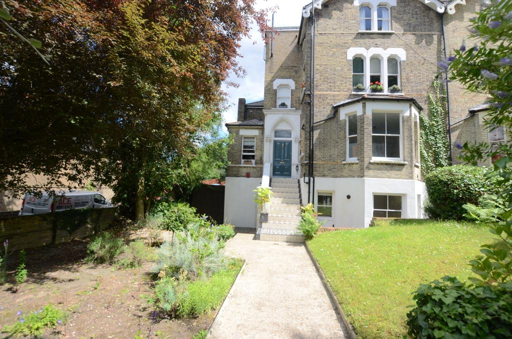 1 Bedroom Flat for sale in 7 Taymount Rise Forest Hill SE23