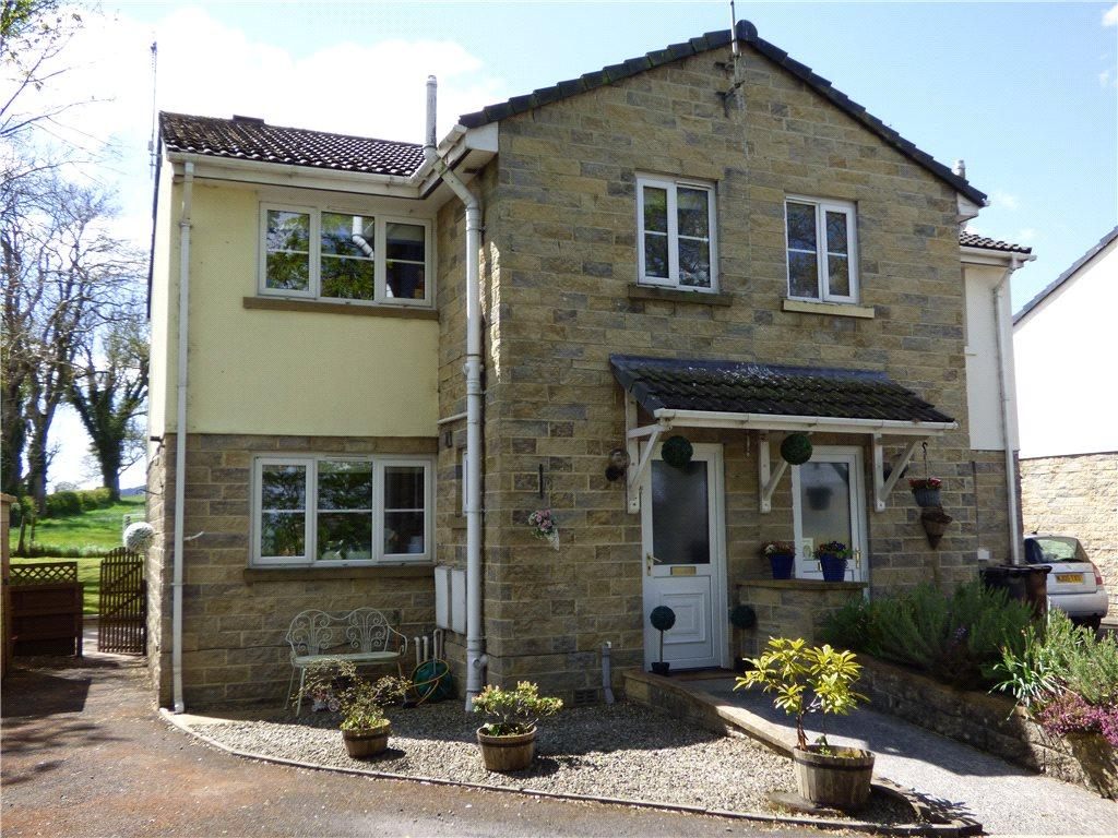 3 Bedrooms Semi Detached House for sale in White Leys Close, Salterforth, Barnoldswick, Lancashire