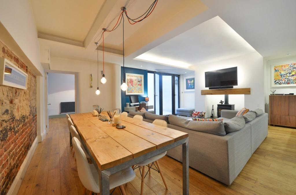 2 Bedrooms Flat for sale in First Avenue Hove East Sussex BN3